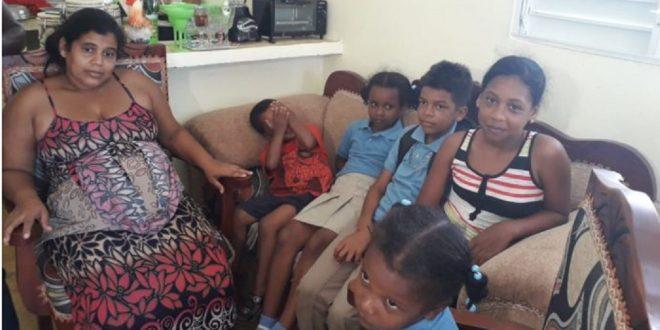 Photo of Una madre de seis niños está embarazada de quintillizos, pero eso no es todo, observa cuantos más hay…