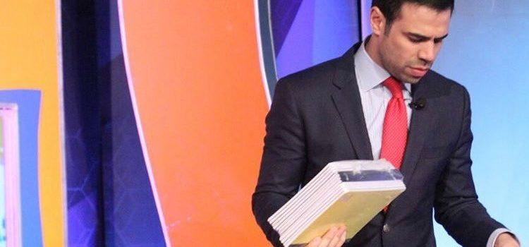 Llueven las críticas contra Robertico tras solicitud al Ministerio de Educación