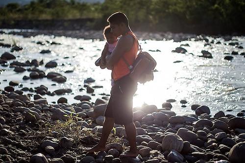 Exdiputado venezolano denuncia que 300.000 niños corren peligro en su país