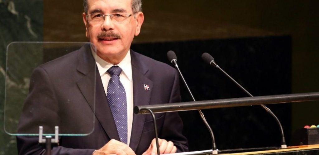 Presidente Medina adelanta regreso a RD tras protestas de dominicanos en New York