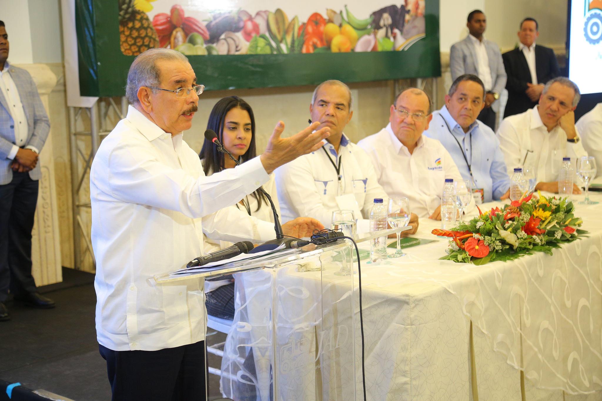 Photo of Presidente Medina dice RD está viviendo el modelo económico ideal