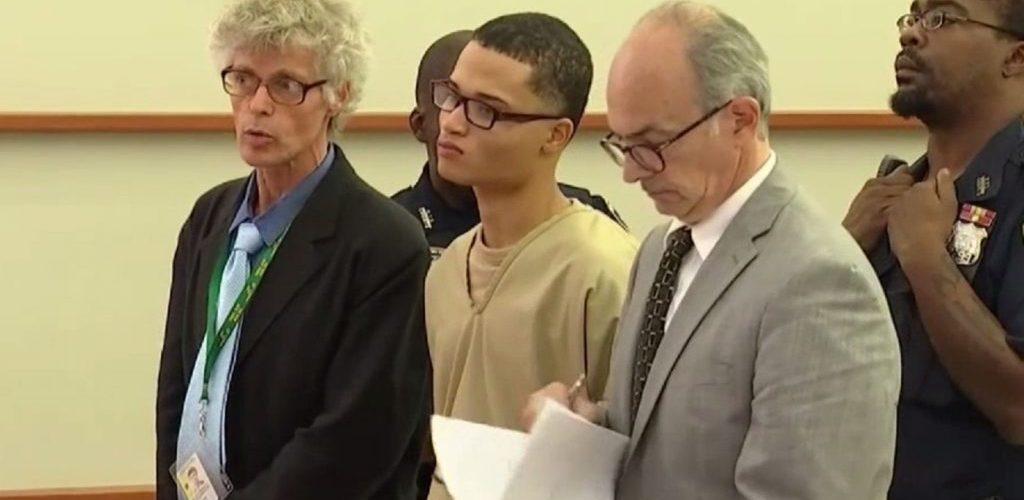"""Decimocuarto pandillero acusado por el asesinato de Junior se declara """"no culpable"""" en El Bronx"""