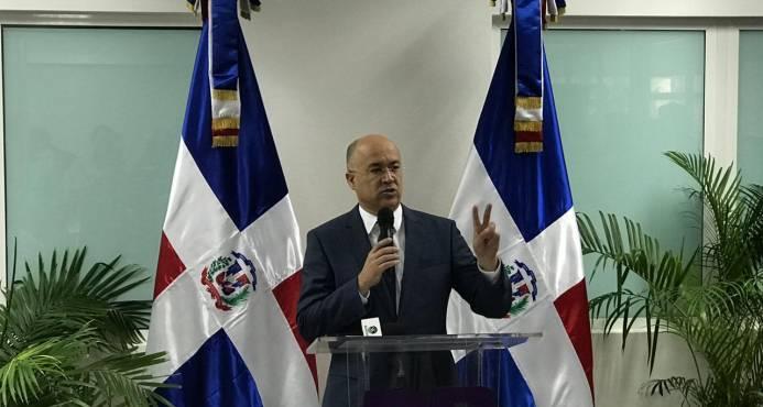 Domínguez Brito critica RD emita 120 mil visas anuales para haitianos