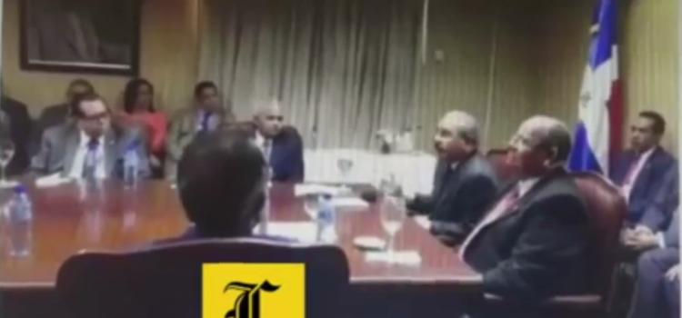 Danilo Medina sin saber que lo grabaron confeso que sus amigos del gobierno se robaron el dinero del estado