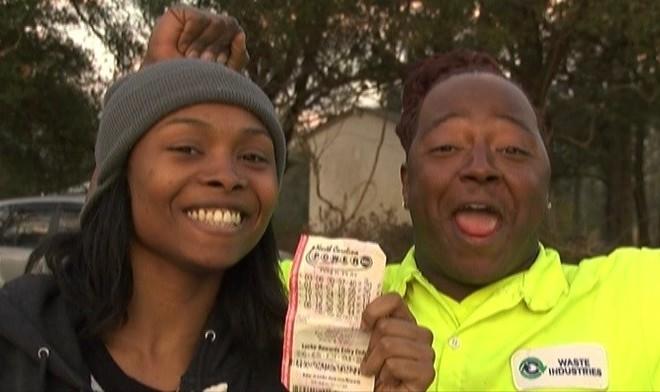 Photo of Madre gana 188$ millones en la lotería, luego ocurre algo impensable