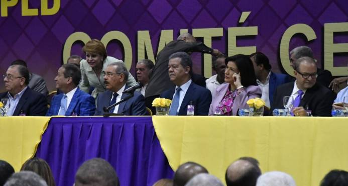 Comité Central del PLD inicia asamblea en la que decidirá tipo de primarias