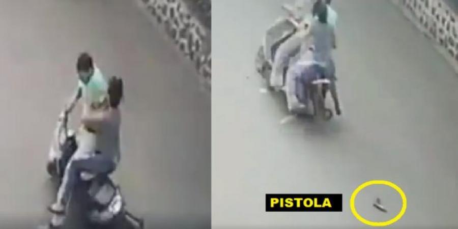 Photo of La Vega: Mujer le ¨vuela¨ encima a atracador