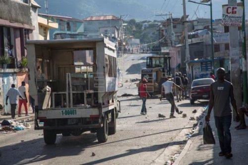 Photo of Capital Haití paralizada tras protesta en contra de la corrupción y gobierno