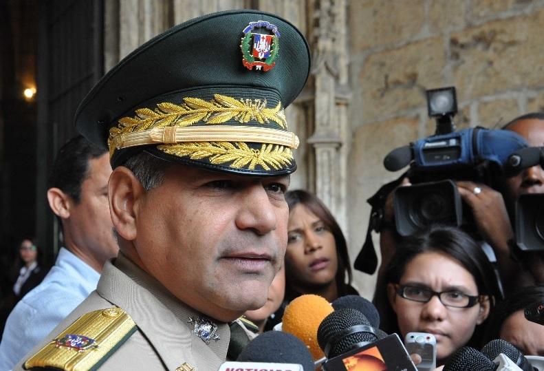 Photo of Ministro Defensa defiende actuación militares en secuestro de médicos