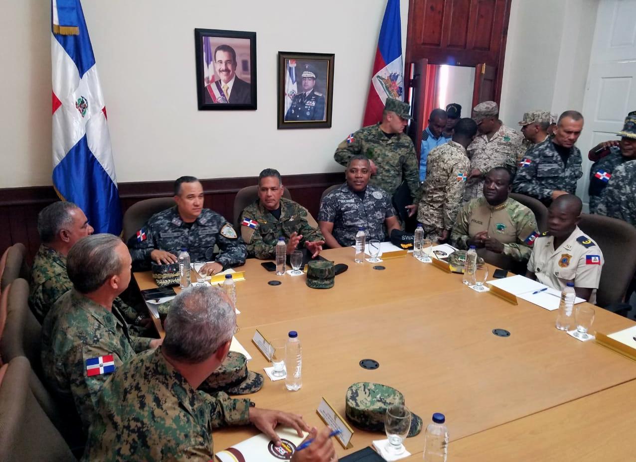 Photo of Haitianos preparados para este domingo realizar un golpe de estado a su presidente y autoridades dominicanas con miedo