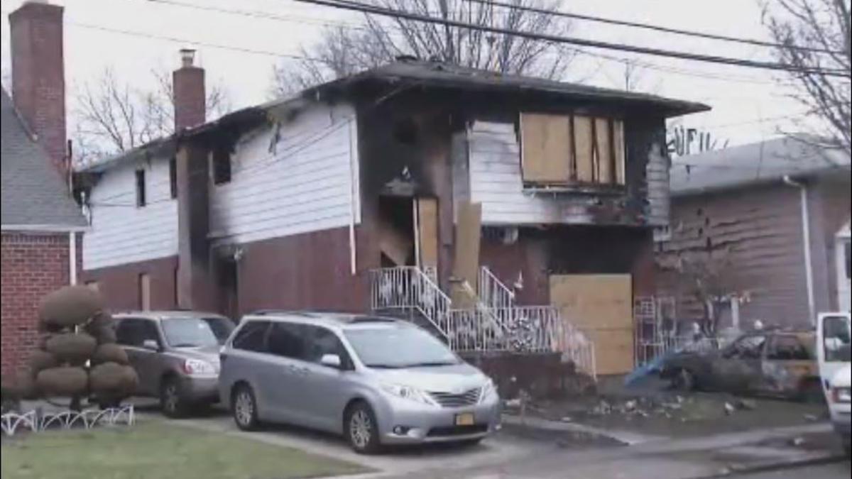 Photo of Niña de 4 años y su abuela mueren en voraz incendio en Nueva York