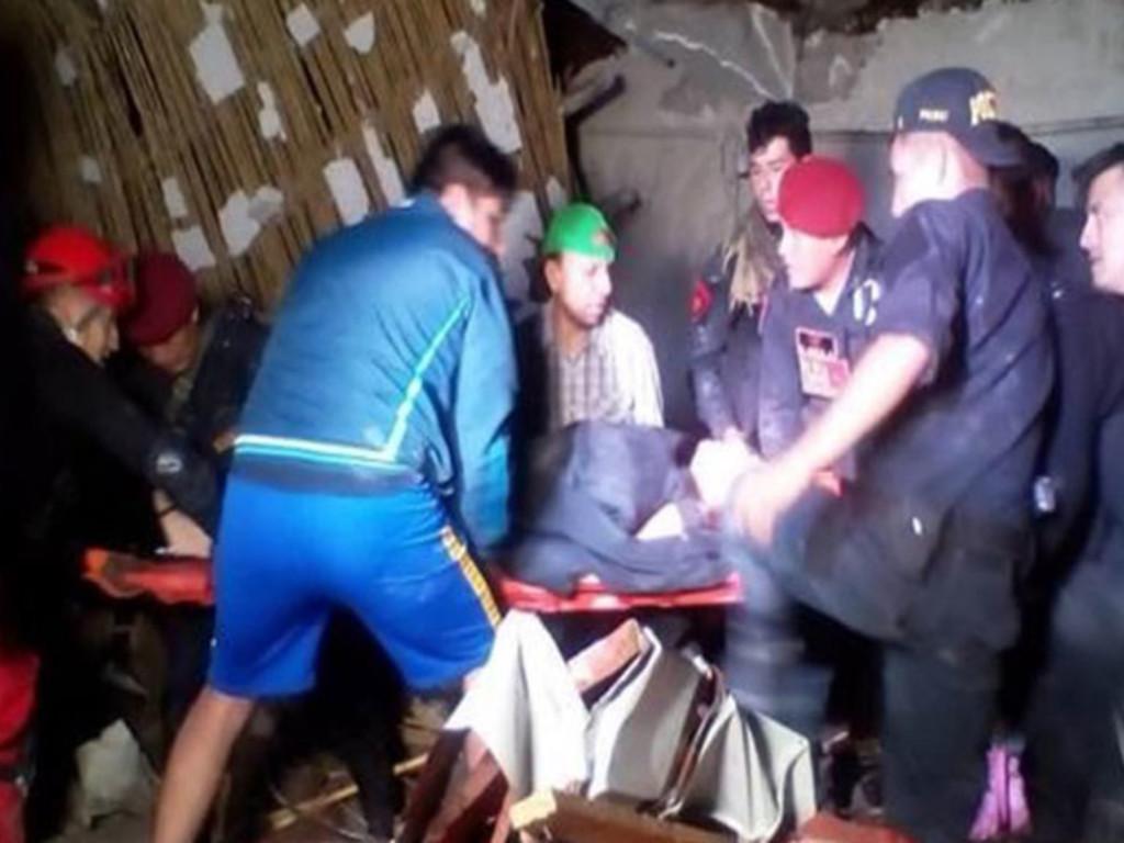 Photo of Al menos 15 muertos y 29 heridos tras caída de pared durante boda en Perú