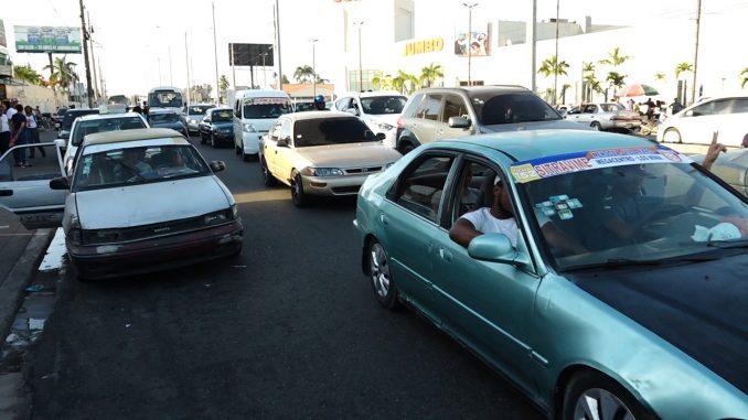 Photo of FENATTRANSC ordena rebaja de 5 pesos a los pasajes del Gran Santo Domingo y el Distrito Nacional
