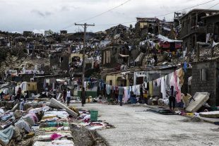 Gobierno Bahamas anuncia demolición de barrios de haitianos en su territorio
