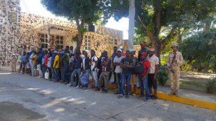 "Han detenido a casi 4 mil haitianos que venian en ""avalancha"" a RD en las ultimas horas, asegura en Cesfront"