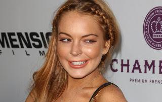 Buscando su moro en la seguidilla!. La actriz Lindsay Lohan se quitó toda la ropa y compartió la polémica imagen en Instagram.