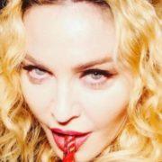 Madonna, duramente criticada por visible aumento de glúteos