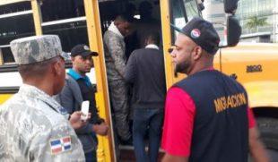 Photo of Dicen RD repatrió más de 350 mil extranjeros en tres años; la mayoría haitianos