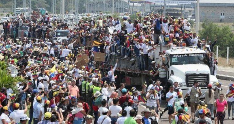 Photo of Oposición de Venezuela asegura han logrado introducir en Venezuela 50 toneladas de ayuda humanitaria