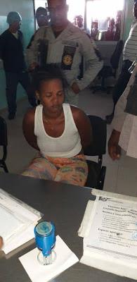 Photo of Atrapan una joven que presuntamente trató de robar un niño en RD / 0 de febrero de 2019