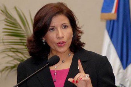 """Vicepresidenta: """"Las mujeres sabemos poner orden y hacer cumplir las leyes"""""""