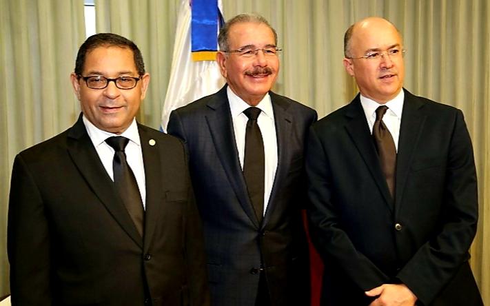 Photo of Presidente Danilo Medina manda a activar el caso Félix Bautista para destruir a Leonel Fernández