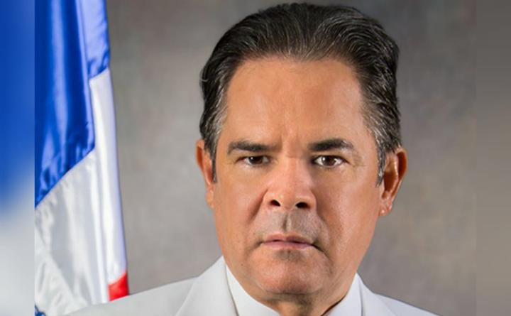 Photo of Denuncian senador del PLD Antonio Cruz tiene permiso de Medio Ambiente para deforestar mafiosamente el parque nacional José Armando Bermúdez