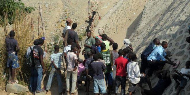 """Photo of Captan en video a guardias de RD dejando pasar a haitianos en frontera """"pagan el pejae"""" los ilegales"""