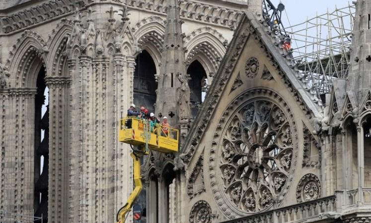 Photo of Advierten de que la cubierta de la catedral Notre Dame de París podría derrumbarse debido a las lluvias