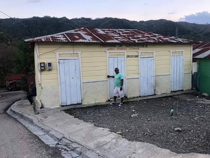 Photo of Aquí vivía el presidente Danilo Medina, en Arroyo Cano en san Juan