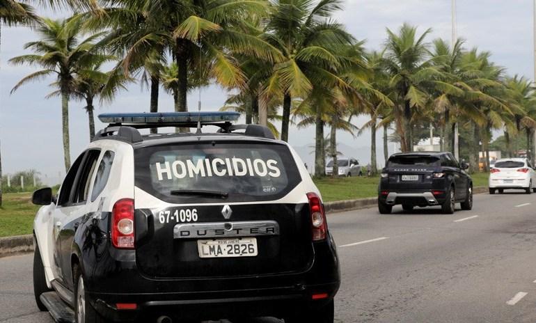 Photo of Detienen en Brasil a 10 militares por acribillar a balazos un coche en el que viajaba una familia y matar a un hombre