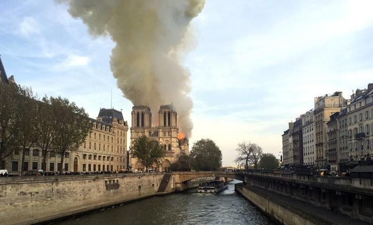 Photo of Crece polémica en Francia ante ola de donaciones para Catedral de Notre Dame