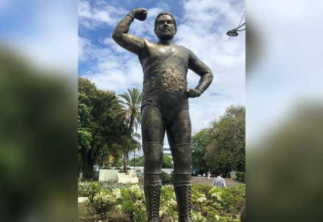 Photo of Conoce la estatua de Jack Veneno en el Parque Eugenio María de Hostos