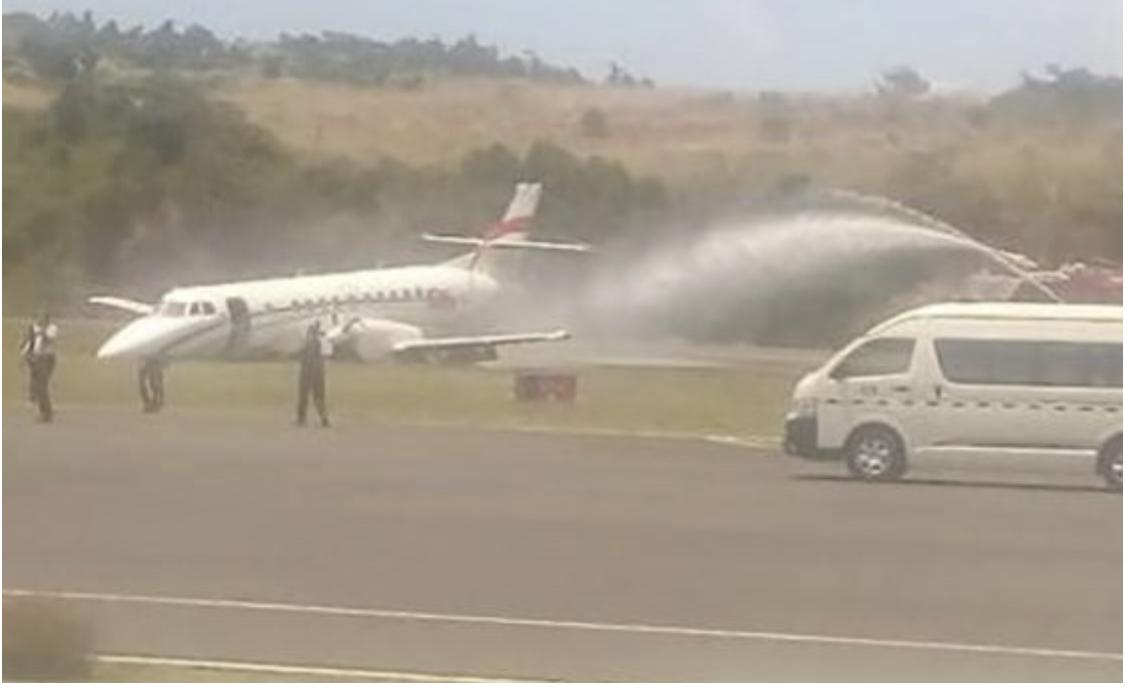 Photo of Avión salió de RD aterrizó forzosamente en Dominica por colapso del tren de aterrizaje