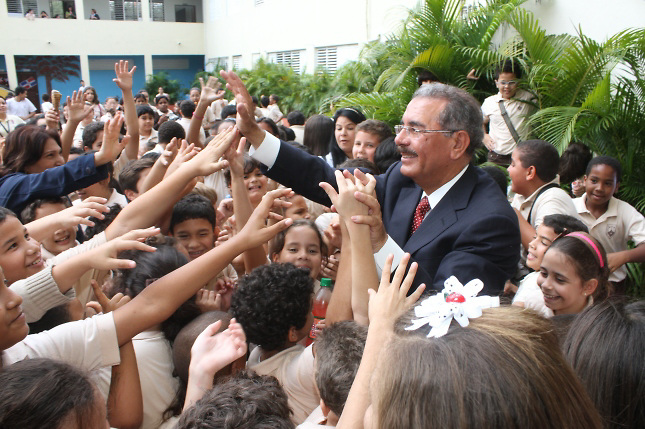 Photo of Encuesta Gallup: 60% considera que Danilo Medina engaña al pueblo
