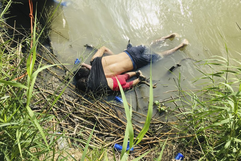 Photo of A grim border drowning underlines peril facing many migrants