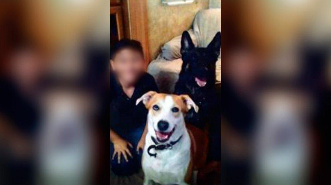 Photo of Un hombre mató de hambre y torturó a su hijo de 12 años: lo tenía atado con un collar de perro