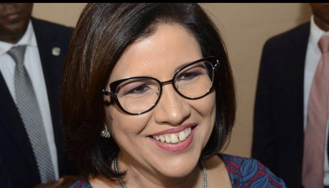 Photo of Tuitero a Margarita Cedeño: «Si ustedes en verdad quieren paz suelten el gobierno y váyanse a la mierda»