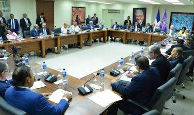 Photo of Inicia reunión del PLD con la presencia de Danilo Medina y Leonel Fernández