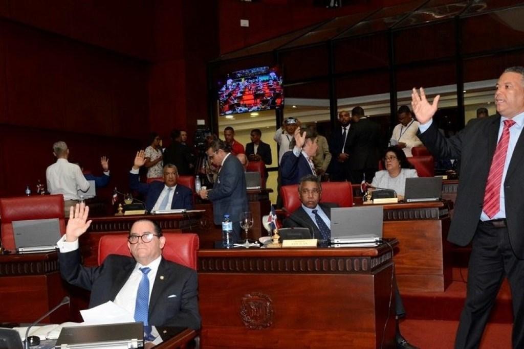 Photo of Senado aprueba proyecto ley que disuelve el IDSS y crea el Idopril
