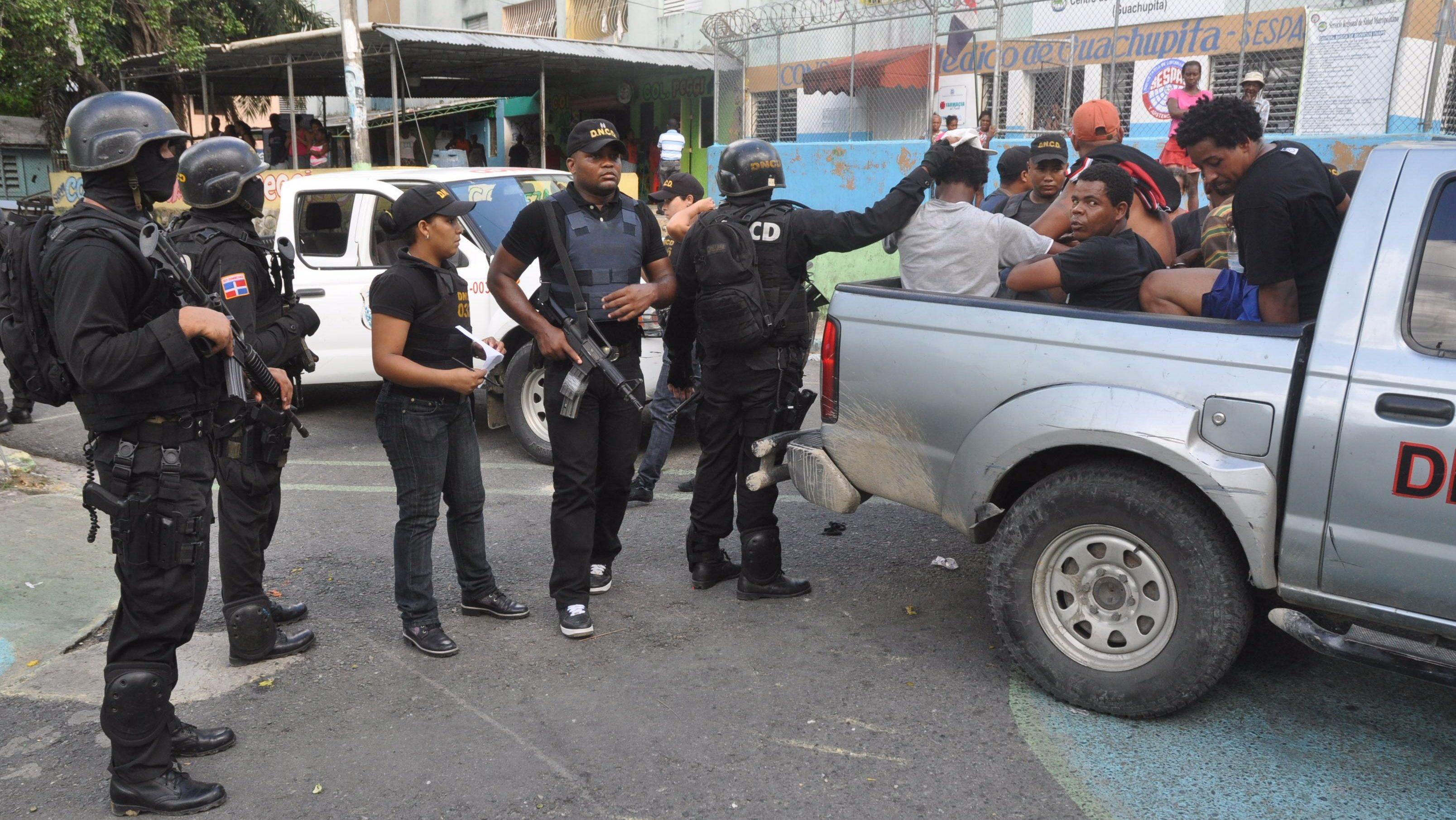 Photo of DNCD demanteló 38 mil puntos, ocupó 894.59 kilos drogas y arrestó a 10,857