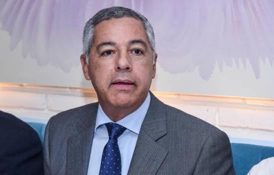 Photo of Ministro Hacienda niega que conflictos políticos afecten económicamente al país