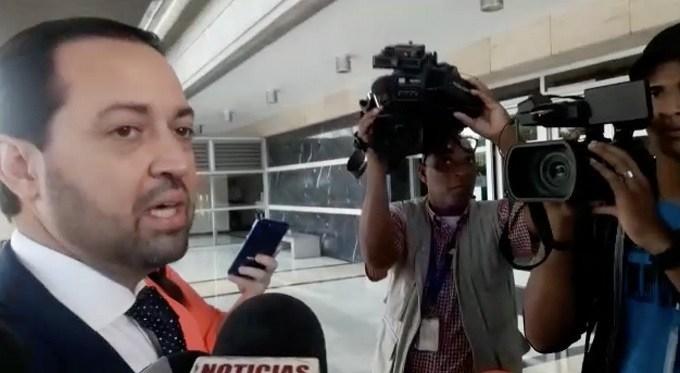 Photo of Procuraduría «interroga» a expresidente Bolsa de Valores, exfuncionario dice es inocente