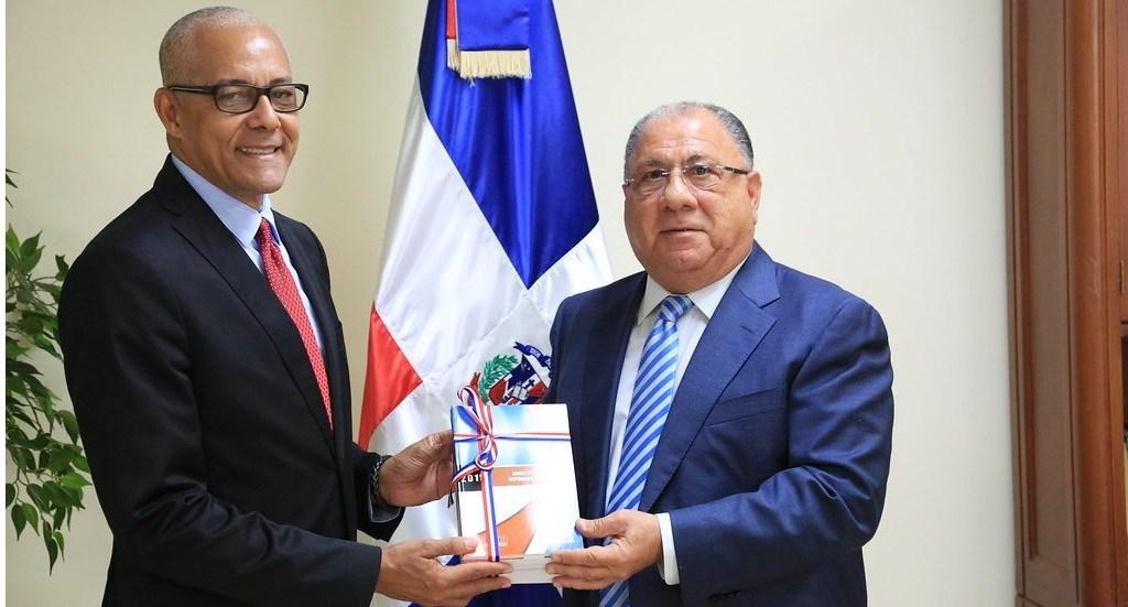 Photo of ADOCCO respalda reforma constitucional a favor de reelección presidencial