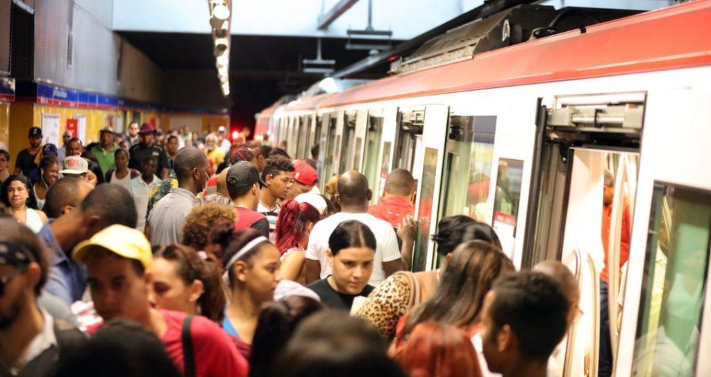 Photo of Personas desaliñadas, malolientes o sucias no podrán usar el Metro ni el Teleférico
