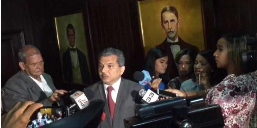 Diputado Fidel Santana revela ofertan 70 millones para comprar votos a favor de reforma