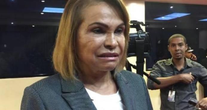 Photo of Sonia Mateo culpa a Leonel Fernández de «maltratar sin razón» a Danilo Medina