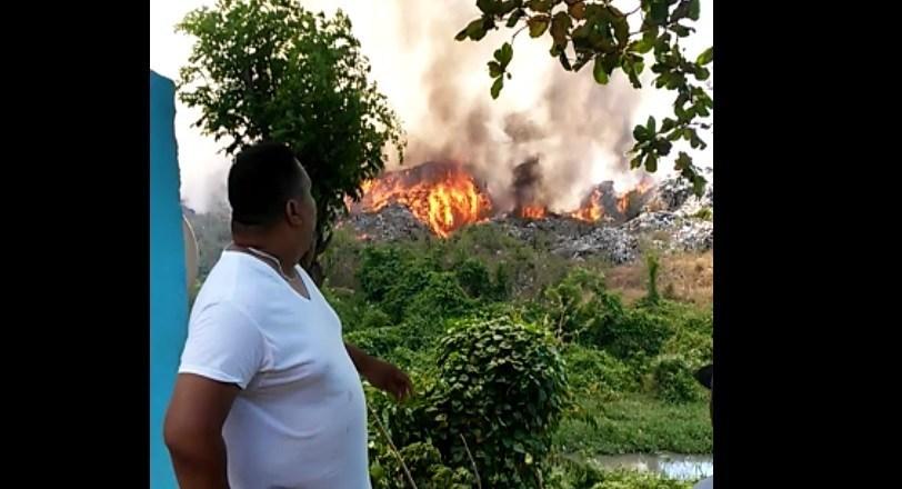 Photo of Incendio en vertedero de Moca afecta a residentes