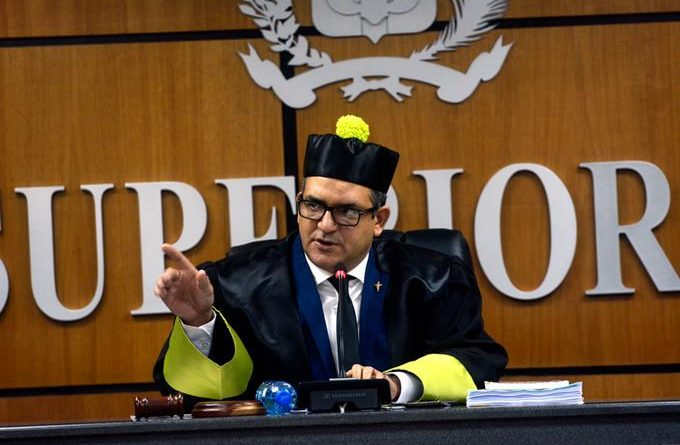 Photo of TSE decide hoy de urgencia si invalida a Leonel e Hipólito