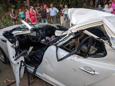 Photo of Fallece médico militar y esposa embarazada al caerle árbol encima al vehículo donde se desplazaban